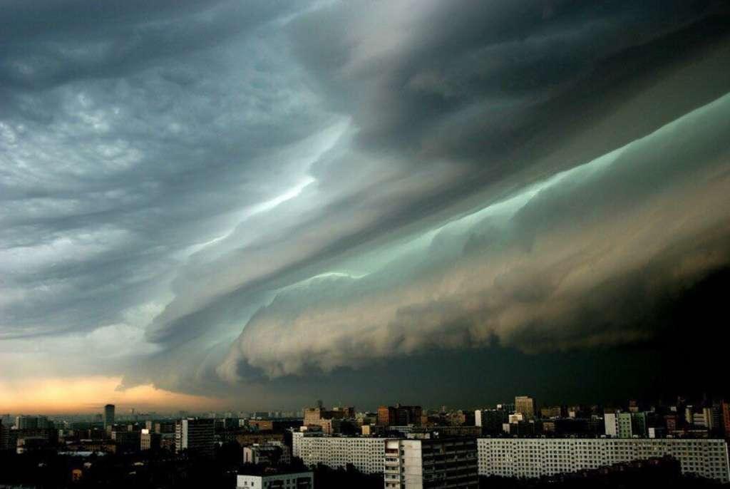 Такого в Украине еще не было! Синоптики предупреждают о мощном шторме, который надвигается. Становится страшно!