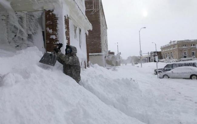 Природа сошла с ума!!! В Украине выпал снег, то, что происходит наводит на всех ужас. Лучше из дома не выходить