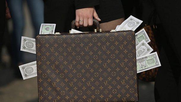 Сколько сколько? Прокурорам выделили бюджетные средства на зарплату. Эти суммы в голове не укладываются