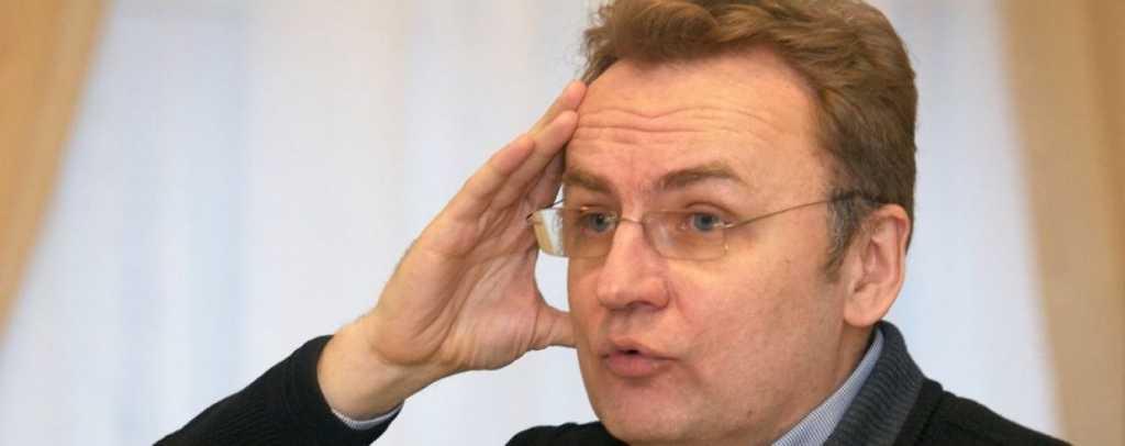 «Откуда деньги»: Депутат от Садового зарабатывает меньше, а держит дома наличными огромные деньги