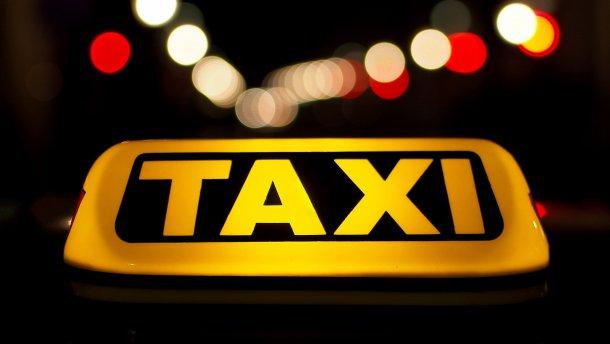 «Мальчики по вызову»: власть серьезно взялась за таксистов, новый законопроект кардинально все изменит