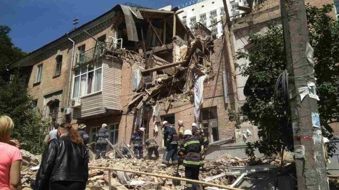 Стекло разлетелись на десятки метров «: Мощный взрыв потряс центр столицы