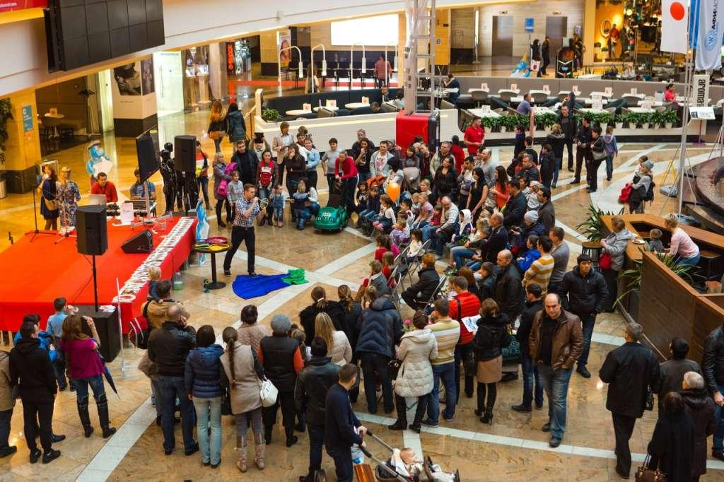 Все туда! То, что происходит в одном из крупнейших торговых центров Львова поражает
