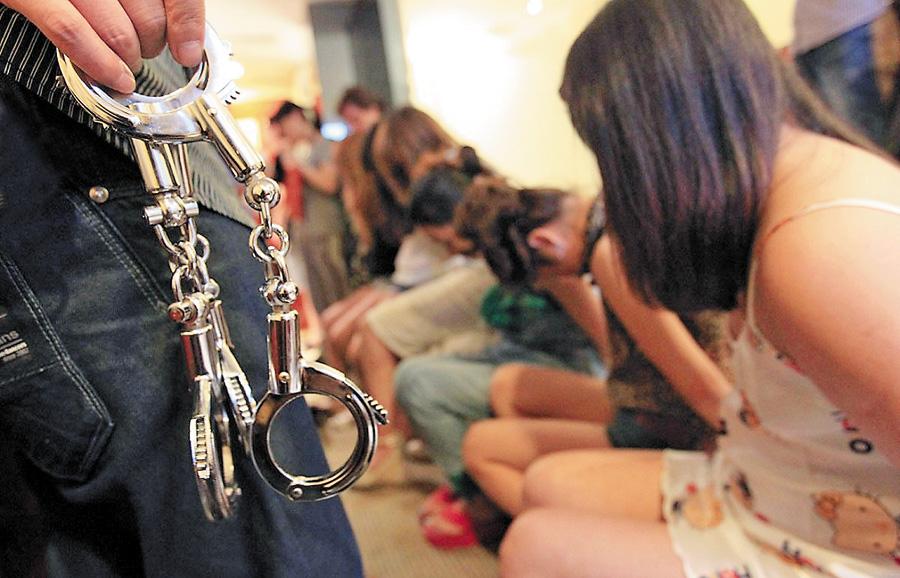 Что за время ?! Украинка продала несовершеннолетнюю девочку в сексуальное рабство .. Подробности шокируют
