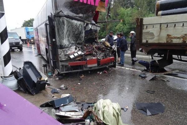 Жуткая смертельная ДТП с участием пассажирского автобуса и грузовика. Подробности, от которых стынет кровь (ФОТО)