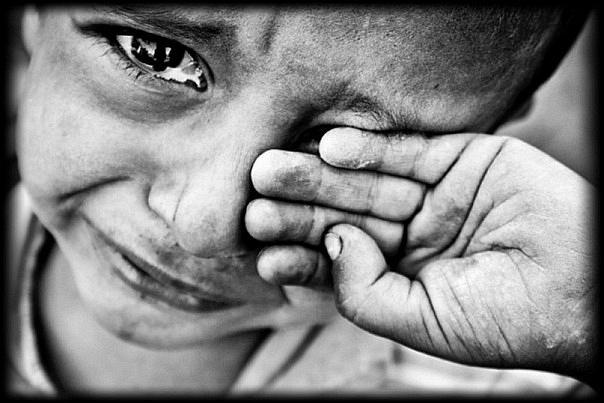«Была вешалкой и пытала раскаленной ложкой»: В Ужгороде мама жестоко издевалась над сыном. Сердце разрывается!