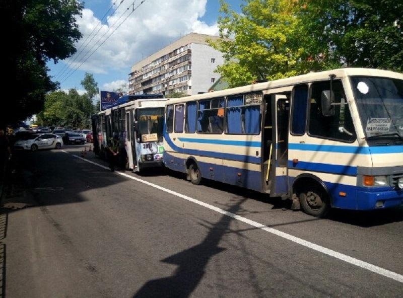 Это адские муки… На Львовщине пассажиры рейсового автобуса получили страшные ожоги, причина всех шокирует. Среди пострадавших дети