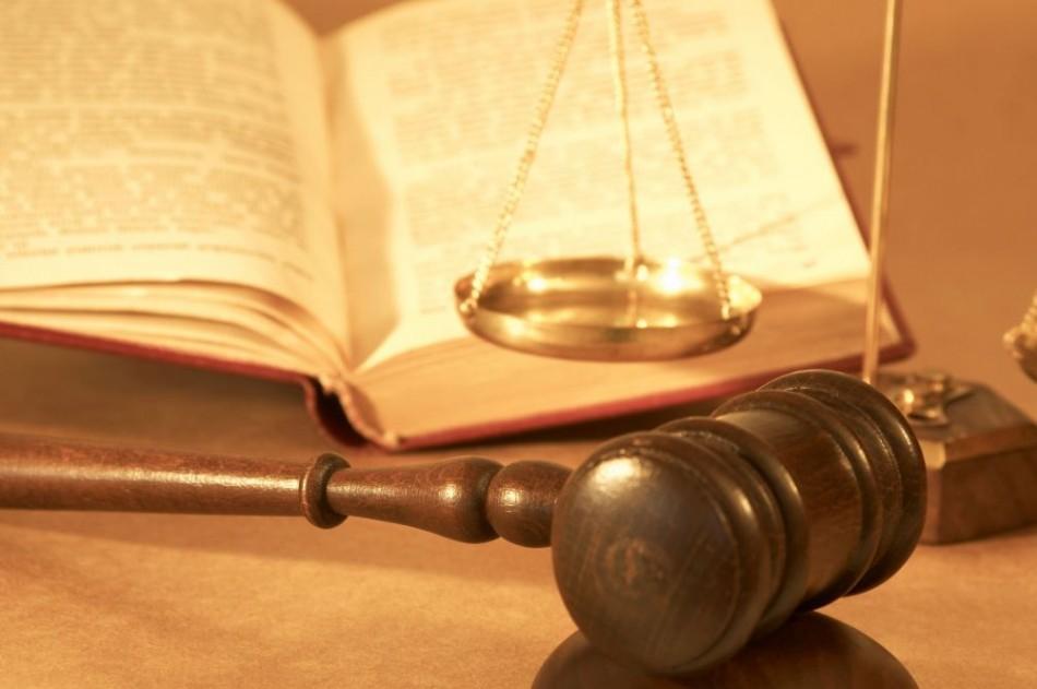 «Да здравствует наш суд!» Рада приняла новый закон об фемиде. И что теперь им можно?