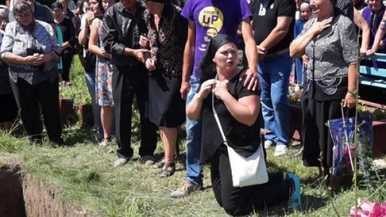 «Когда это уже закончится»: «Экстрасенс» заговорила об эксгумации тела убитой тернопольской выпускницы. Детали возмущают!
