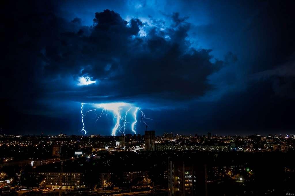СРОЧНО! Синоптики объявили штормовое предупреждение! Три области в страшной ОПАСНОСТИ! Будьте осторожны!