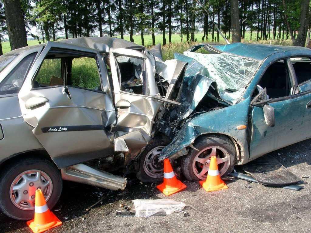 Машины превратились в металлолом. Жуткая ДТП под Черновцами от которой кровь стынет в жилах (ВИДЕО)