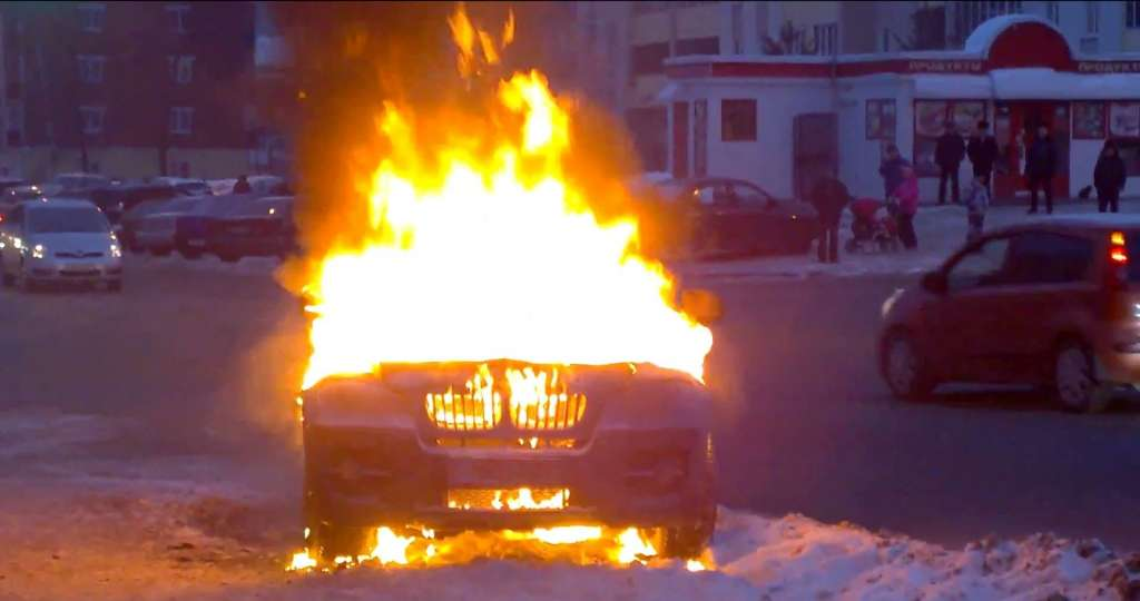 Там был ад!!! Ночью на Тернопольщине полностью сгорел автомобиль
