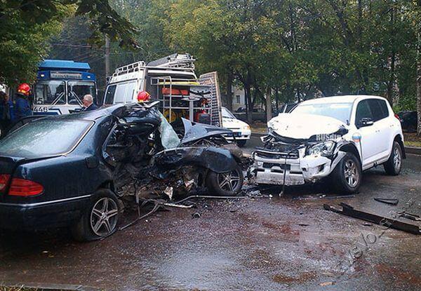 Они были обречены… Возле Львова произошло жуткое ДТП, два автомобиля столкнулись лоб-в-лоб