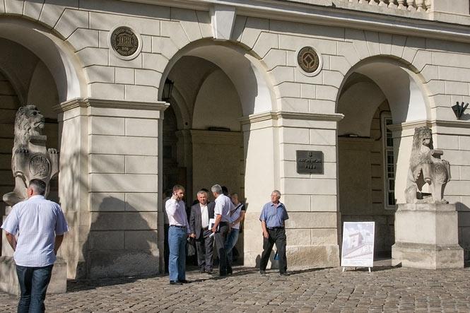 Срочно!!! Афера века!!! В Львовском городском совете проводят обыск, то, что там совершили шокирует даже самых стойких