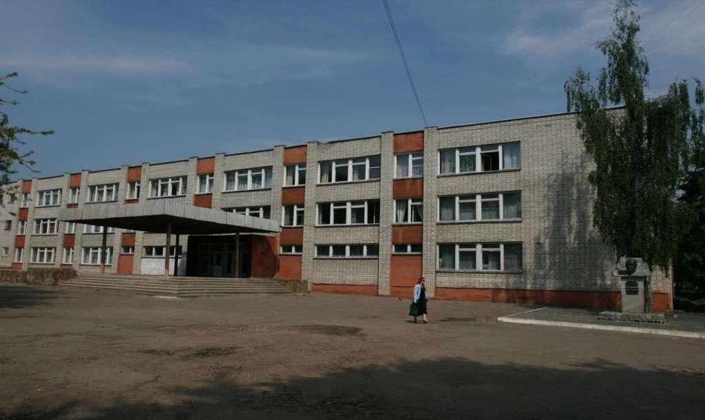 Будьте осторожны!!! Во Львове на территории школы обнаружили опасную находку