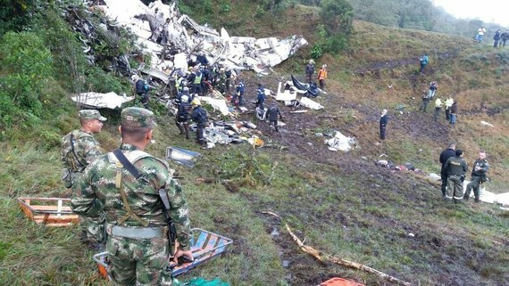 Страшная трагедия… Под Харьковом упал самолет, там был настоящий ад