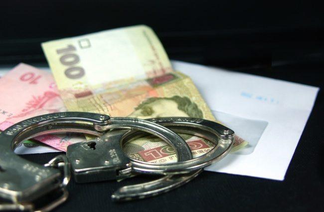 Известного чиновника из Кропивницкого задержан на взятке. Этих денег не счесть