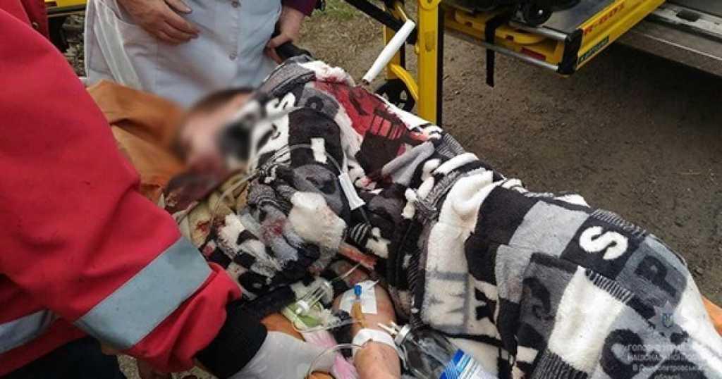 Проколол насквозь: в Киеве произошло жестокое нападение на подростка, там был настоящий ужас