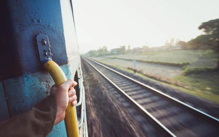 Трагическая смерть студентки в поезде: в полиции рассказали жуткие подробности, от которых мозг закипает