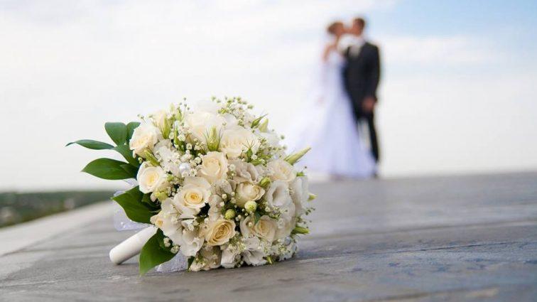 «Не чемпионка, однако …» Известный депутат снова женился! Просто язык отнимает от этой красавицы