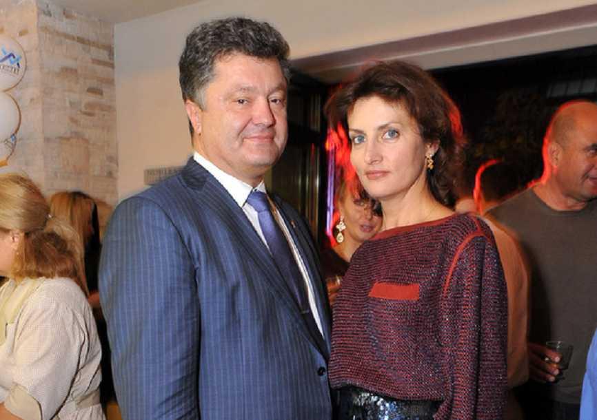 «Сними это и надень это…»: Сексолог рассказал интимные подробности отношений Порошенко с женой. Такого вы не ожидали