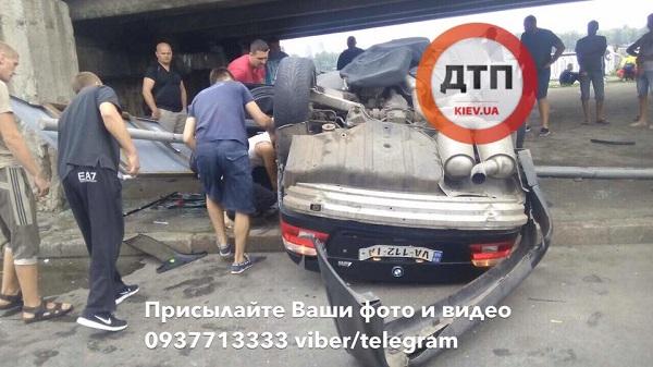 «Спасателям понадобилось более часа чтобы…» Жуткое ДТП в Киеве от которой кровь стынет в жилах (ВИДЕО)