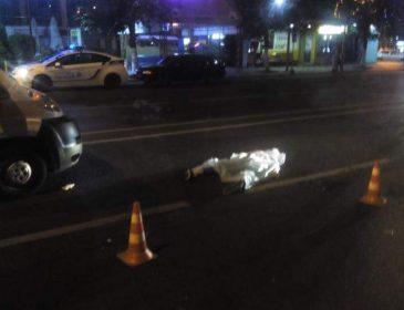 Страшная трагедия! Маршрутка, которая спешила в парк, насмерть сбила молодого парня. От этого видео слезы на глазах ….