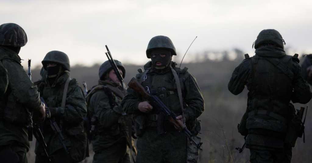 Расстреляли мужчину и женщину: в штабе АТО рассказали о страшном преступлении бойцов ВСУ. Что же они натворили?