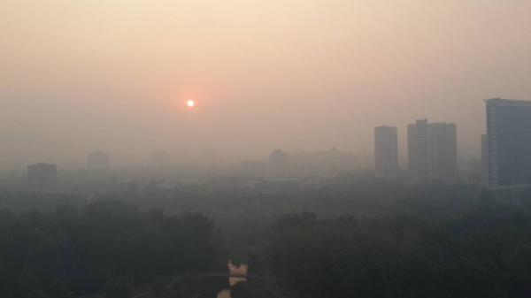 Вся столица в панике!!! Киев окутал страшный черный дым, этот пожар точно войдет в историю