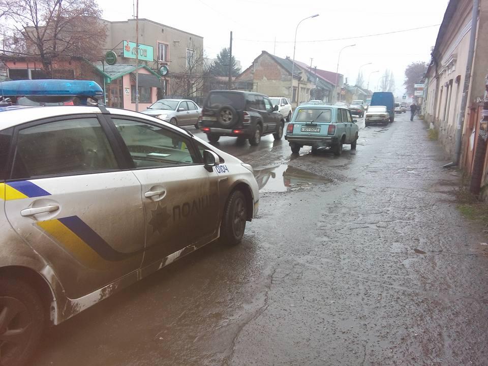 «Раздал и убежал»: На Днепропетровщине полицейский попав в смертельное ДТП