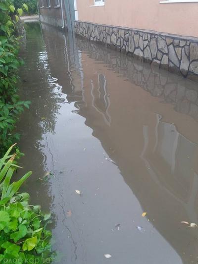 Целая область едва не ушла под воду. Непогода на Закарпатье наделала такого бедствия, придут не скоро …