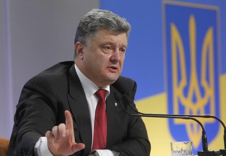 Петр Порошенко отдал распоряжения по чрезвычайно важному документу по Донбассу — СМИ обнародовали первые шокирующие детали