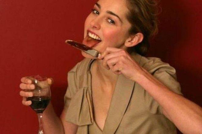 ОСТЕРЕГАЙТЕСЬ! Почему ни в коем случае нельзя есть с ножа, чтобы не уничтожить свое будущее. Вы точно будете шокированы