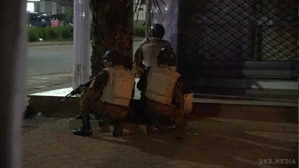 СРОЧНО! В ресторане столицы кровавая стрельба, страшной смертью погибли 17 человек, остальные в ловушке