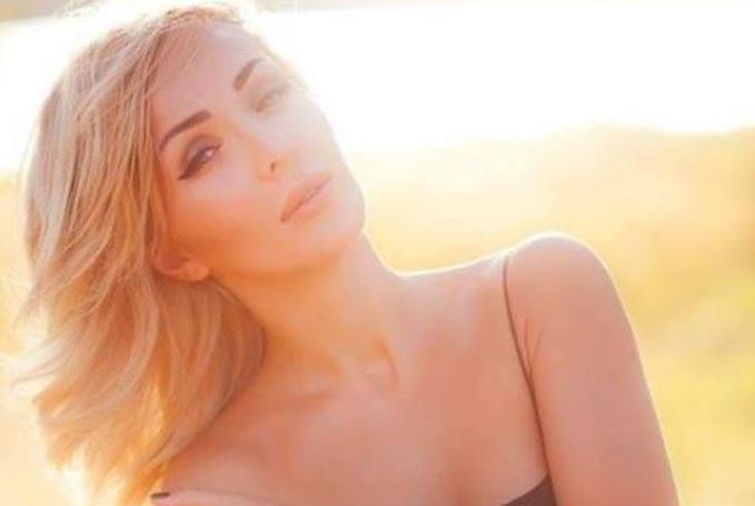 Дырявые трусы и обнаженную грудь … Жена известного депутата от БПП показала откровенные фото.Такого стыда украинцы еще не видели (18+)
