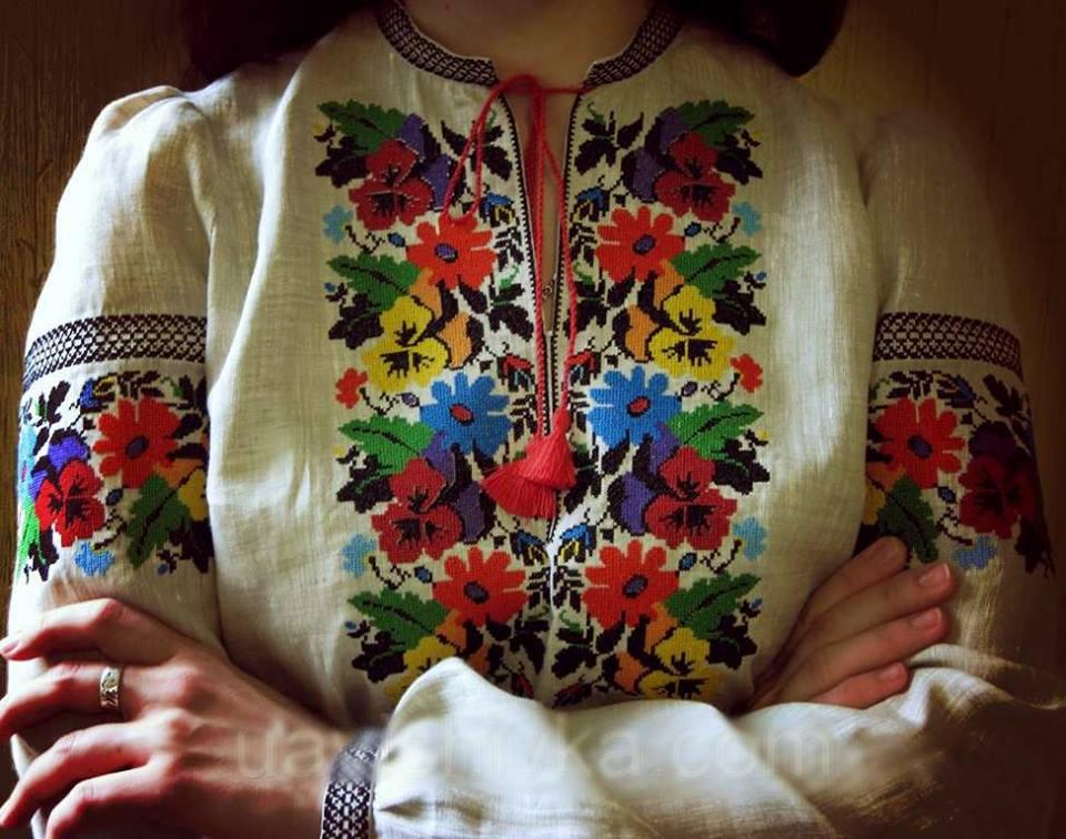 «Такой даже у жены президента нет» Жена известного украинского политика засветилась в неприлично дорогущих вышиванке. КАКАЯ КРАСОТА!