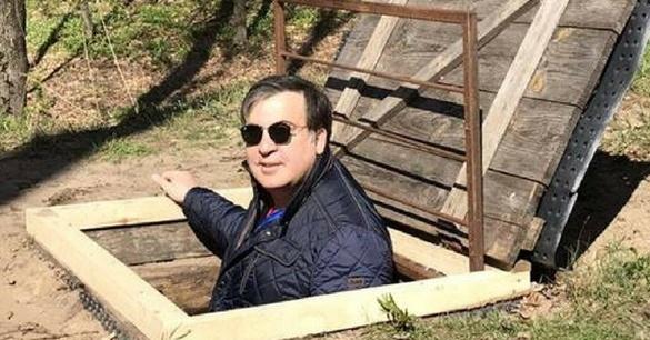 «Я так и не стал на сторону «барыг»»: Саакашвили попросил помощи в украинцев на польской границе (ВИДЕО)
