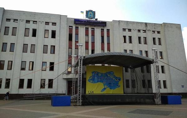 СКАНДАЛ! Известная чиновница забыла, что Крым и Донбасс — это Украина. Подробности инцидента доводят до истерики