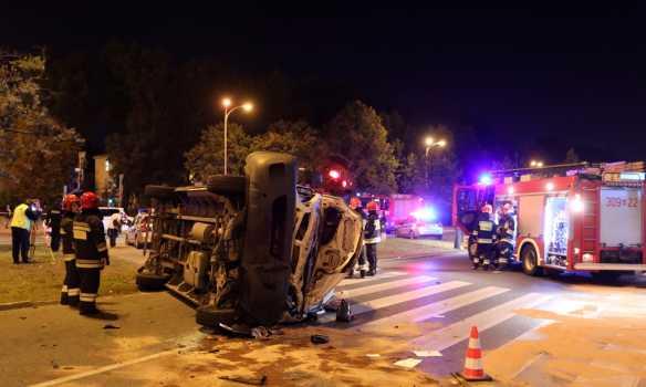 Машины разбросало по всей дороге Генсек НАТО попал в жуткую ДТП посреди столицы. Там такое происходило!
