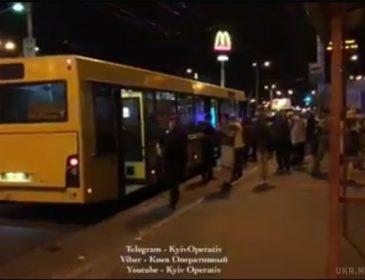 Стрельба в киевском автобусе… Видео с места событий доводит до истерики