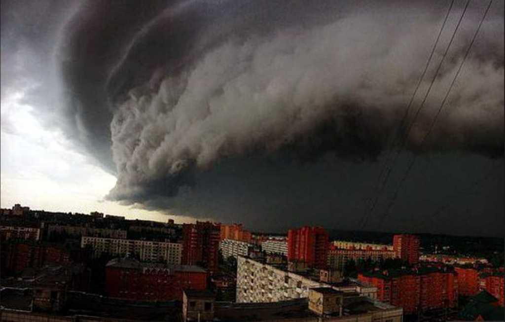 Пока запад затопит, центр — сгорит… Синоптики шокировали своим прогнозом погоды. Грядет что-то страшное!