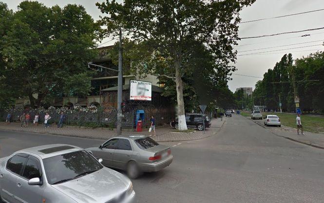 «Мы е*али наших клиентов…» То, что происходило возле управления полиции в Одессе шокирует вас до глубины души