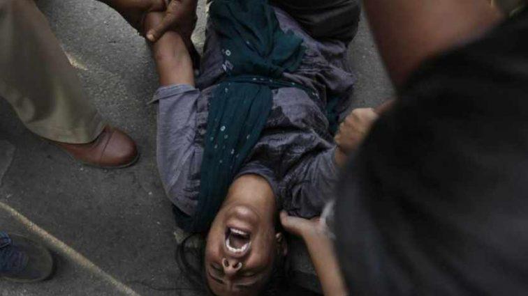 «Сначала жестоко избили»: На курорте четыре человека зверски изнасиловали туристку прямо на глазах ее мужа