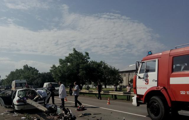 Это настоящий кошмар: в масштабном ДТП на Луганщине пострадали шесть детей