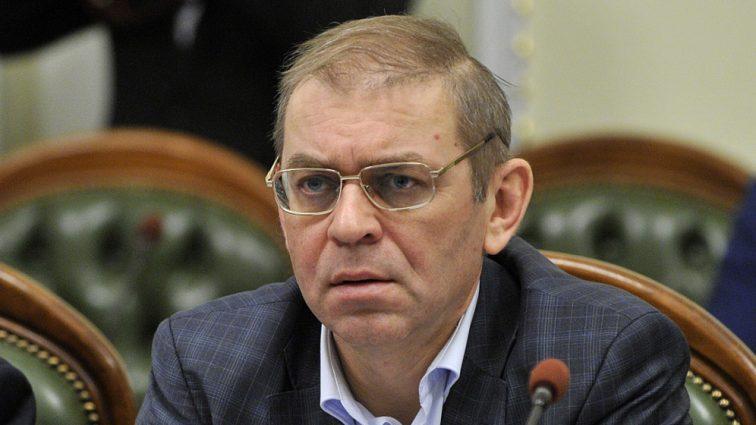«Из-за него гибнут наши ребята…» Новый военный скандал вокруг Пашинского всколыхнул всю Украину. Такое простить невозможно
