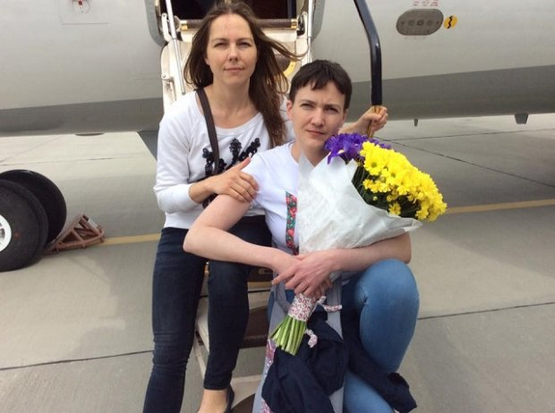 «Главное, что в вышиванке»: Сестру Савченко поймали за рулем шикарного автомобиля. Такого не каждый депутат себе позволит