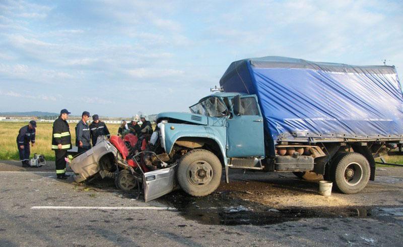«Убил себя и еще двух человек …» Жуткая ДТП под Одессой: машины просто превратились в металлолом