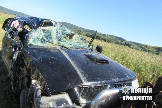 Смертельное ДТП на Прикарпатье, автомобиль сравнялся с землей. Такого вы еще не видели