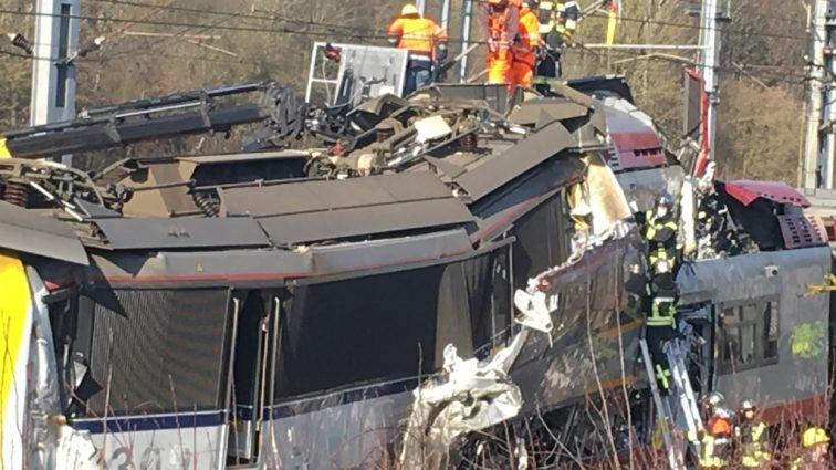 Два поезда столкнулись… Большое количество пострадавших. Вся страна в шоке
