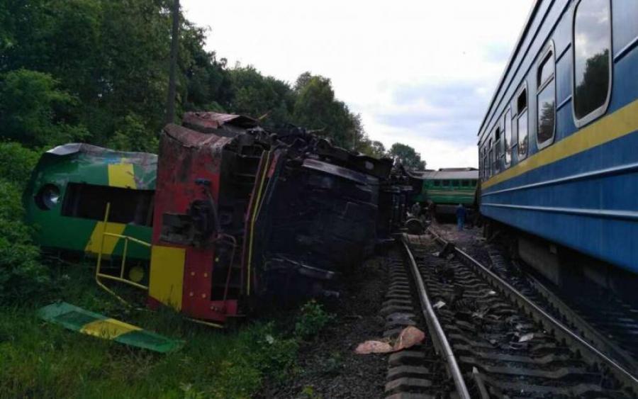 Масштабная железнодорожная трагедия! Украинский поезд слетел с рельсов… Там такое творилось